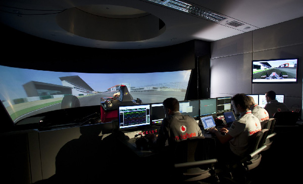 McLarenin hulppea simulaattori